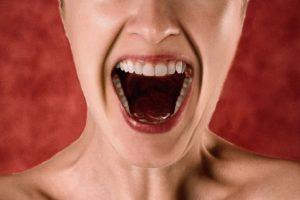 夫の怖さの前に自分の顔が怖い