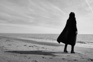 夫の不倫に使命感で行動する